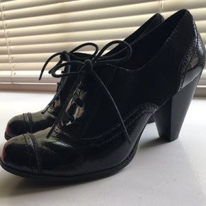 Lace up patent heels